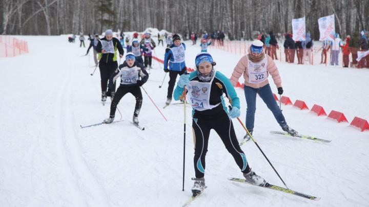 20 тысяч участников прошли «Лыжню России»: публикуем 10 лучших фото