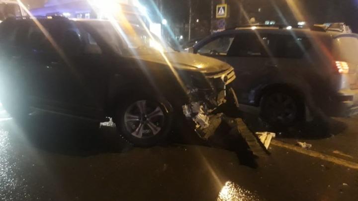 Погибшая мама и машина генерала полиции: всё, что известно о массовом ДТП с детьми на Горького