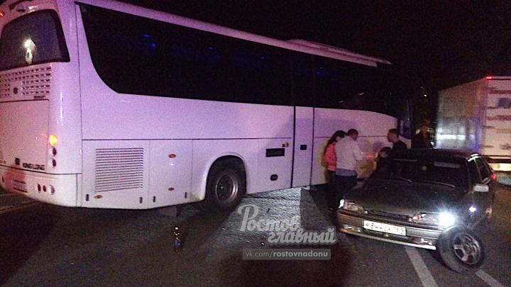 Перевернувшаяся фура и ДТП с автобусом: за ночь на Дону произошло несколько аварий