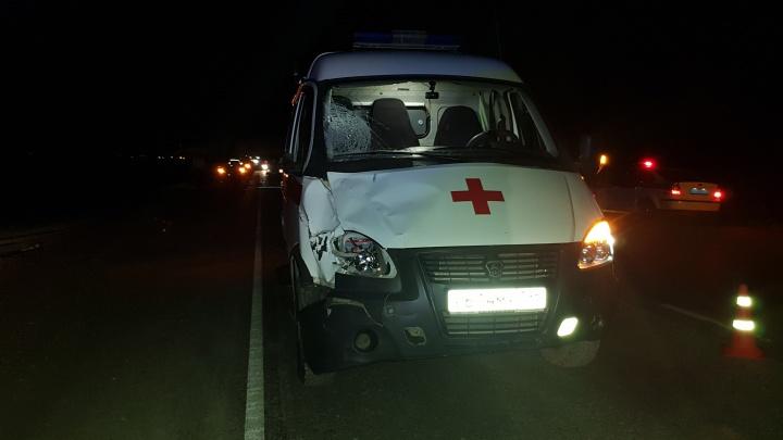 На свердловской трассе скорая помощь, спешившая на место ДТП, насмерть сбила пешехода
