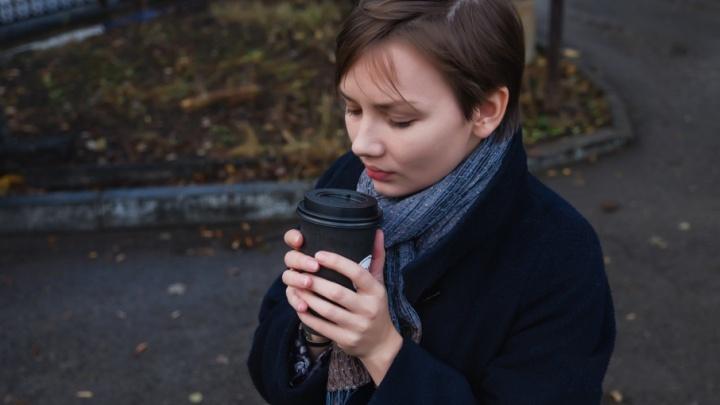 Ученые против мифов: почему растворимый кофе не так бодрит, и вызывают ли энергетики привыкание