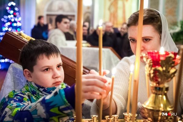 Православные церкви ждут верующих и днём, и ночью