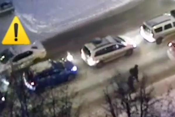 Водитель неустановленной машины скрылся с места происшествия