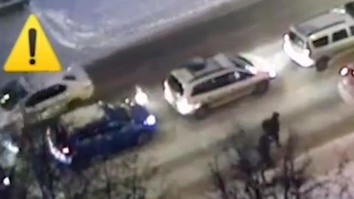 В Уфе по видео ищут водителя, сбившего ребенка на санках