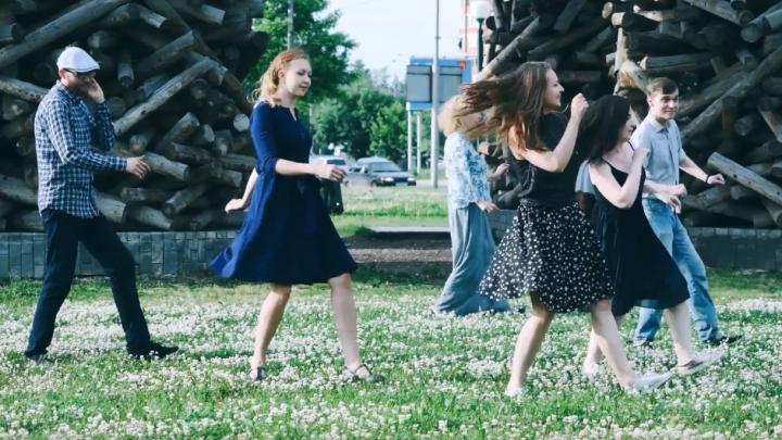 Организаторы Дягилев-феста выпустили ролик с танцующими на улицах города пермяками