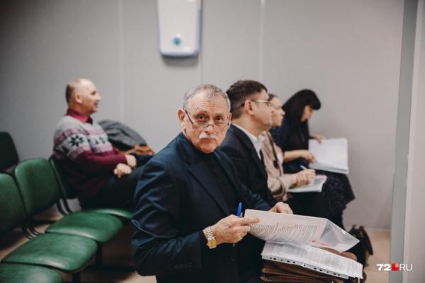 Врача Александра Горохова судят за причинение смерти по неосторожности вследствие ненадлежащего исполнения лицом своих профессиональных обязанностей, а также за халатность, повлекшую смерть