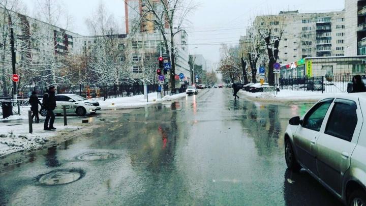 «Врезался в ВАЗ и скрылся»: в Перми ищут водителя, из-за которого пострадали дети