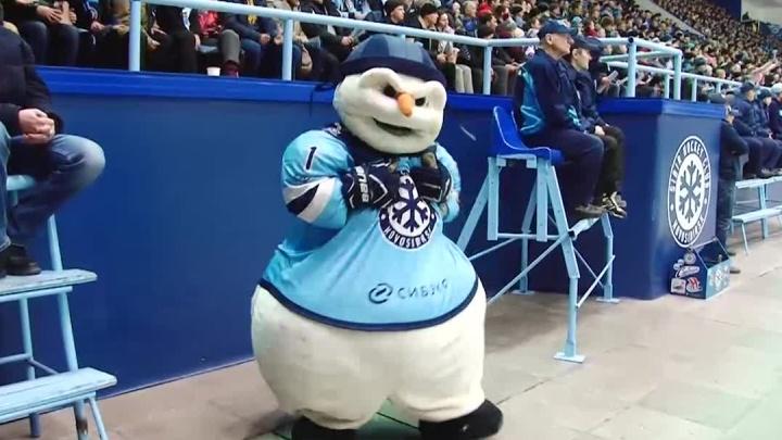 «Это было невинное видео»: снеговик «Сибири» поддержал ульяновских курсантов танцем под Satisfaction