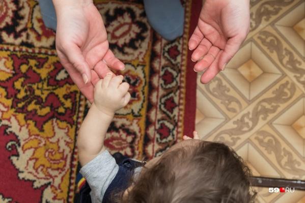Мама Таня и ее сын Семён — самые близкие друг другу люди, но первые год и месяц жизни мальчика они жили не вместе