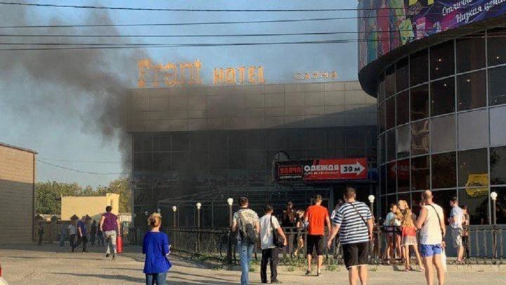 Вечером 14 августа в Волгограде частично выгорелFrant Hotel