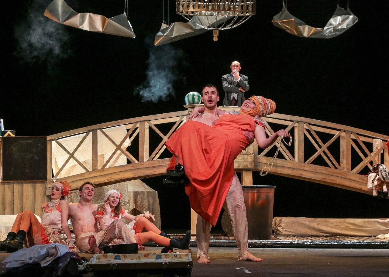 Актёры из Магнитогорского театра уже сегодня в 18:30 сыграют в первом спектакле в Ярославле