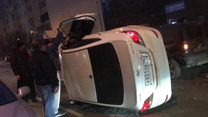 «Чуть на мою машину не упала»: очевидец рассказал, как на Юмашева опрокинулась иномарка