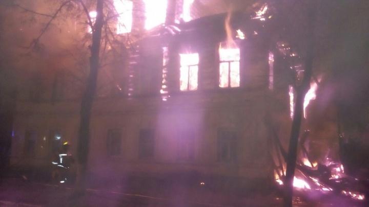 «Личная неприязнь к жителю дома»: в СМИ попала информация о мотивах поджигателя дома в Ростове