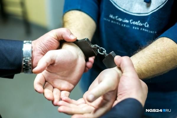 Четверо мужчин задержаны