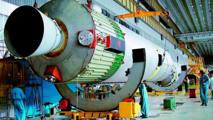 «Роскосмос» расторг контракт на производство ракет-носителей, которые собирают в Омске