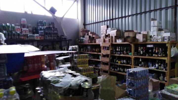 На Центральном рынке изъяли 2,5 тысячи бутылок поддельного алкоголя