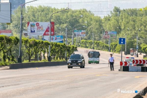 Инспекторов убирают с Коммунального моста