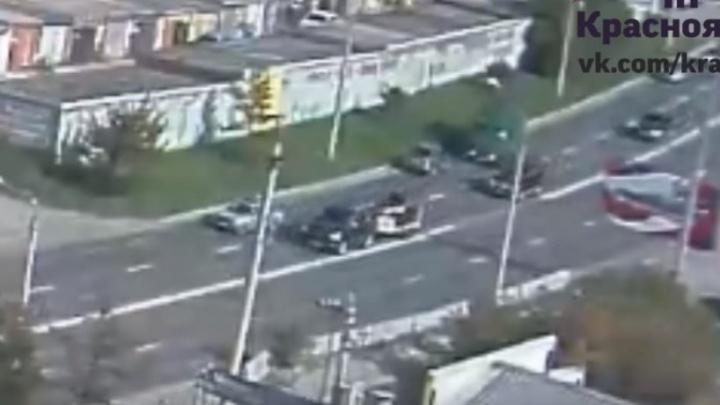 Пьяный водитель плавно выкатился на «встречку» и врезался в ЗИЛ