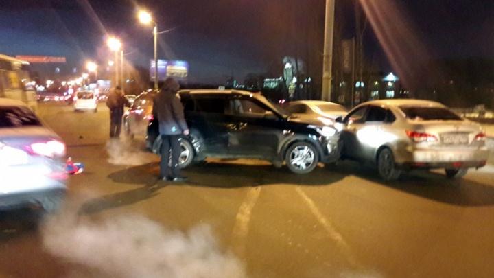 В Челябинске участникам аварии с машиной СК без объяснений задержали документы о ДТП