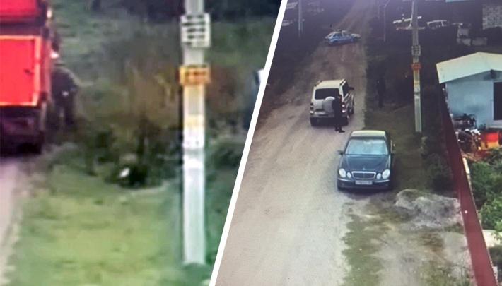 Водитель мусоровоза вышвырнул боеприпасы в селе под Новосибирском и уехал — улицу оцепили