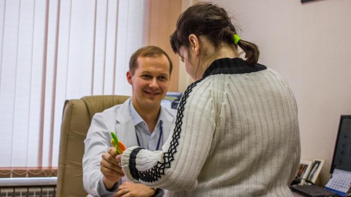 «Это была победа — Маша сама дышала»: врачи за 1,5 месяца выходили девочку со страшной пневмонией