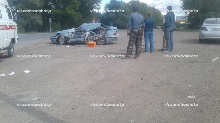 Смертельная авария на перекрёстке в Башкирии: КАМАЗ влетел в «Нексию»