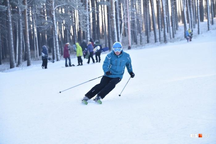 Если произошёл несчастный случай, долг каждого лыжника или сноубордиста — помочь