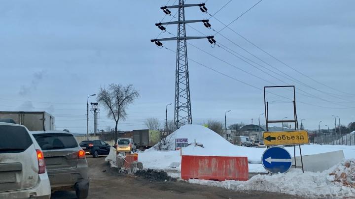 «Всё равно прут!»: как выглядит объезд перекрытого Заводского шоссе