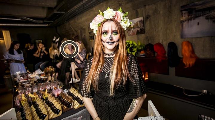 Новосибирские бары, торговые центры и простые горожане бросились отмечать Хэллоуин