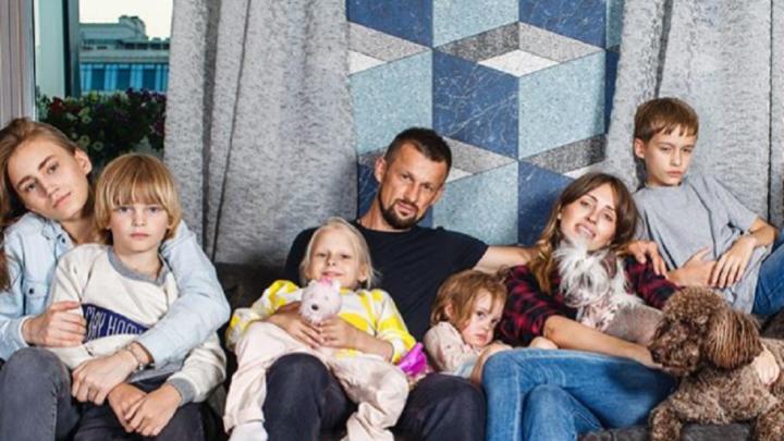 «Многодетная семья — это счастье!»: Анна Семак рассказала, легко ли растить семерых детей