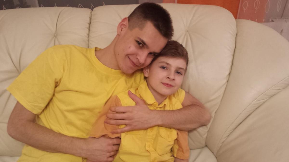 Старший Миша стал для Никиты донором костного мозга