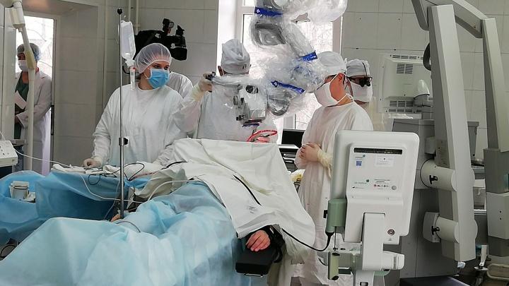 «Ради жизни надо идти на риск». Нижегородские нейрохирурги провели сложнейшую операцию на мозге