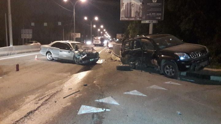 Смертельная авария под Новосибирском: пассажира «Прадо» выбросило из салона