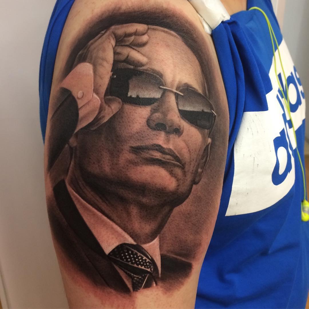 Мастер из Томска РинатМингаздинов тоже в свое время работал с портретом Владимира Путина