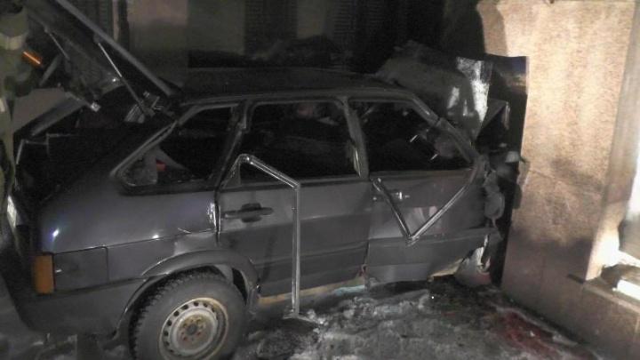 Нарушитель без водительских прав на «девятке» въехал в мемориал Славы на Южном Урале