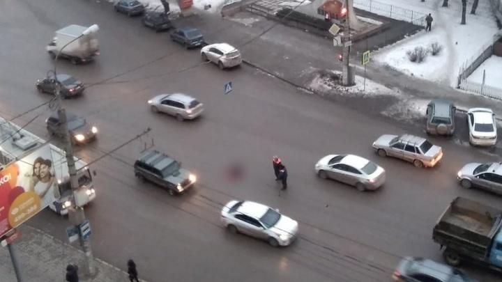 В Волгограде пешеход погиб под колесами многотонной машины «Концессий теплоснабжения»