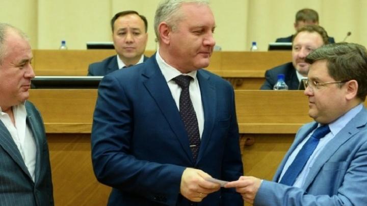 «Слово не воробей»: от депутата, который назвал журналистов бестолочами, потребовали извинений