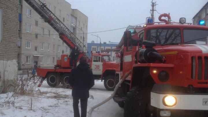 Из горящего общежития на Южном Урале эвакуировали 13 человек