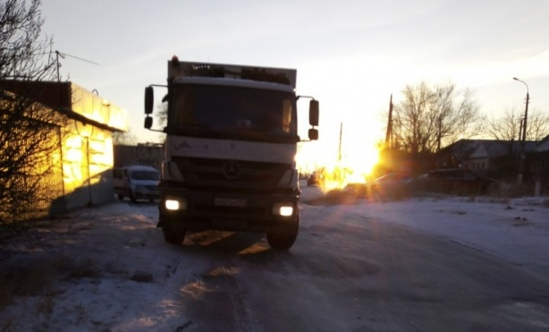 «Надо, и трассу перекроем»: под Волгоградом дворы селян зарастают помойками из-за мусорной реформы