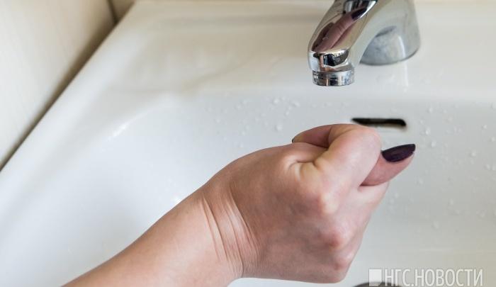 В Дзержинском районе 13 домов остались без воды