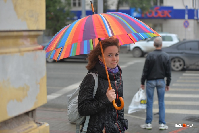 Уральцы летом куртки далеко не убирают, и правильно делают