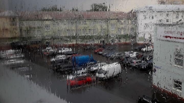 На Ярославль обрушились гроза и ливень: когда закончатся