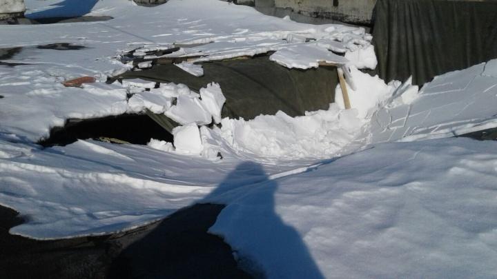 «Был слышен сильный грохот»: в Еланском гарнизоне обвалилась крыша жилого дома