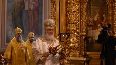 Патриарх Кирилл раздал ростовским чиновникам и бизнесменам патриаршие знаки: онлайн-трансляция
