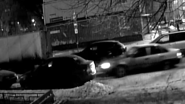 Тесные дворы: смотрите видеоподборку зимних автоказусов в Самаре