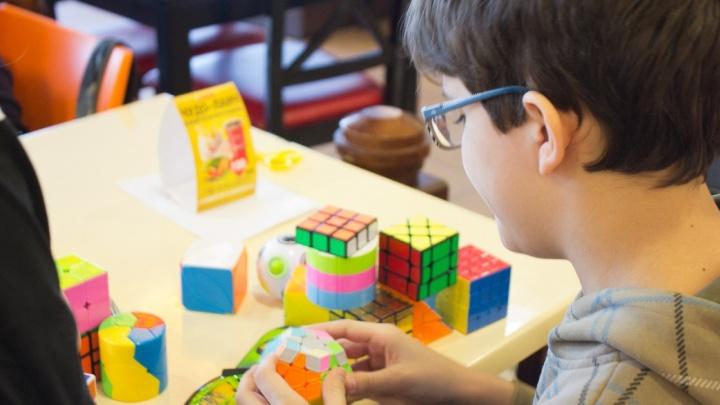 В Перми на скорость соберут кубик Рубика