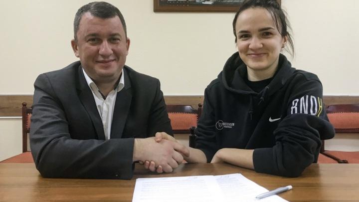 Гандболистка Анна Вяхирева продлила контракт с ГК «Ростов-Дон» ещё на три года