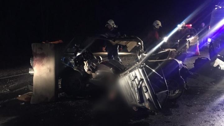 «Шестерка» превратилась в комок: в Самарской области два человека погибли в результате ДТП