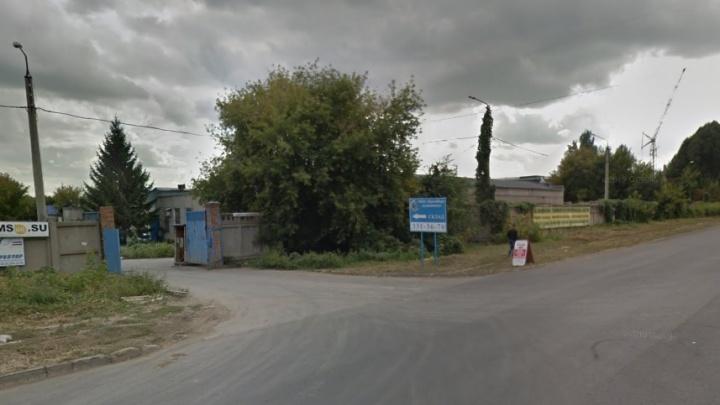 В ангаре на Черемшанской прогремел взрыв, двое пострадали