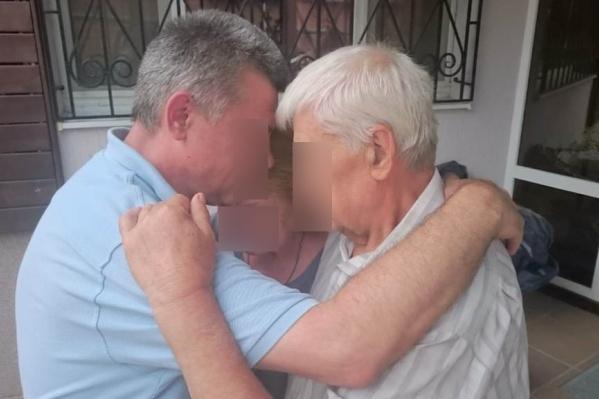 После трех лет колонии заключенный встретился с отцом